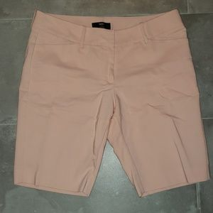 Mossimo Pink Bermuda short Size 10 Stretchy NWOT
